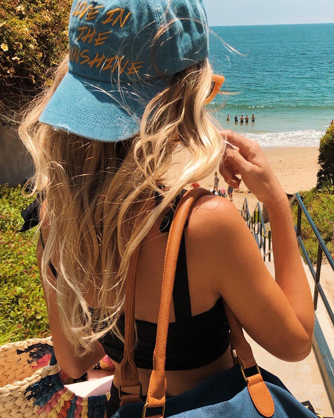 casquette femme surfeuse