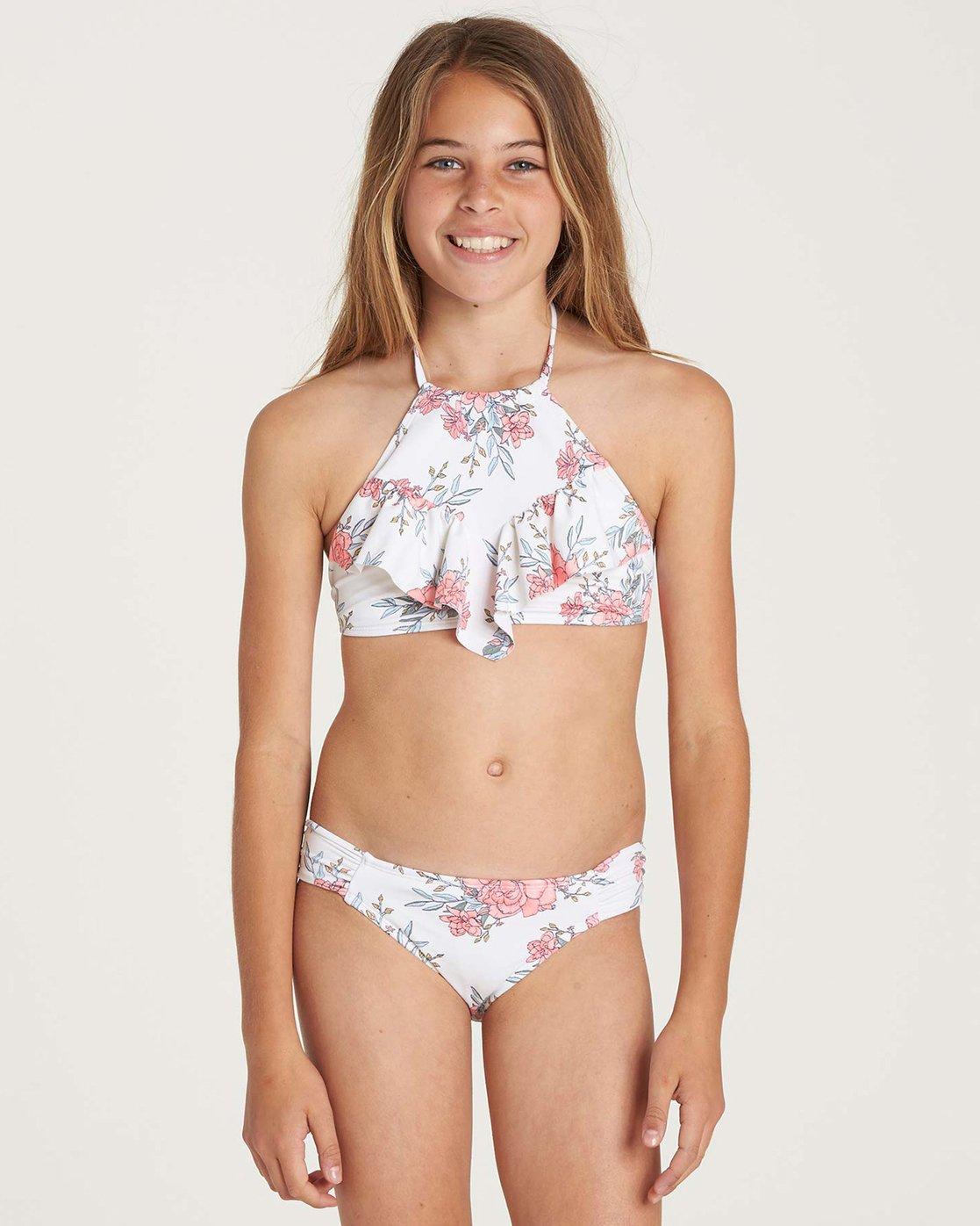 Man shower pre pubesent girls in bikini bridgette