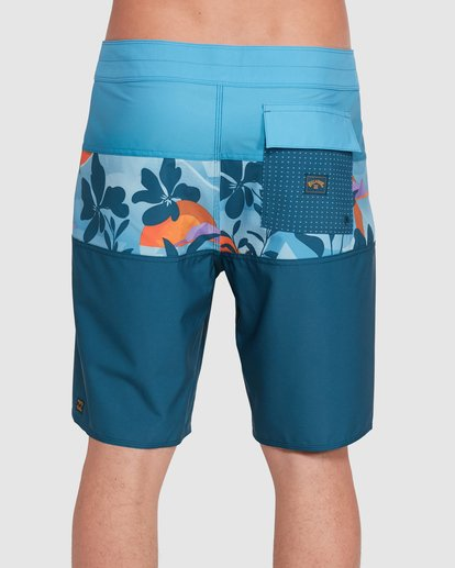 4 Tribong Pro Boardshorts Orange 9503408 Billabong
