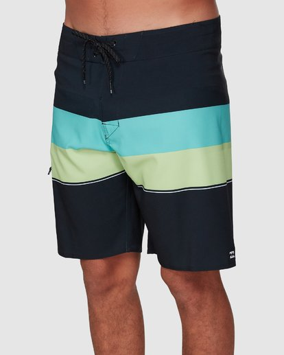 3 Momentum Airlite Boardshorts Black 9507403 Billabong