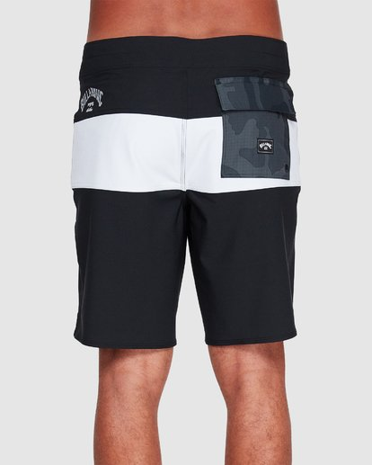 4 Tribong Pro Solid Boardshorts Black 9507428 Billabong