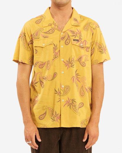2 Wrangler Hazy Paisley Vacay Short Sleeve Shirt Yellow 9513203 Billabong