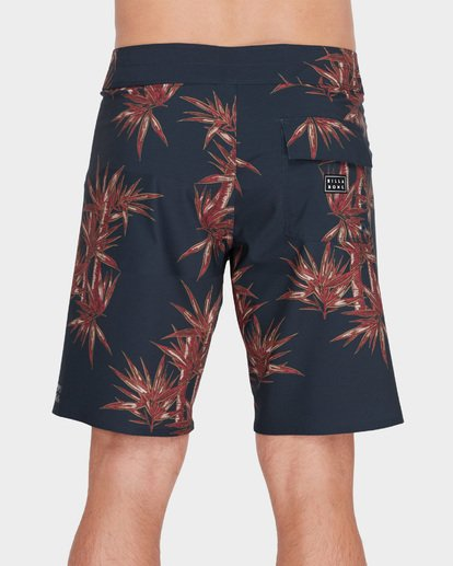 "4 SUNDAYS AIRLITE 19"" BOARDSHORT Red 9582403 Billabong"