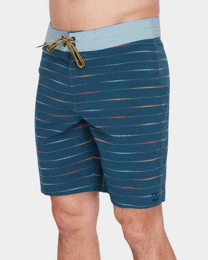 "3 SUNDAYS X MARK 19"" BOARDSHORTS  9582409 Billabong"