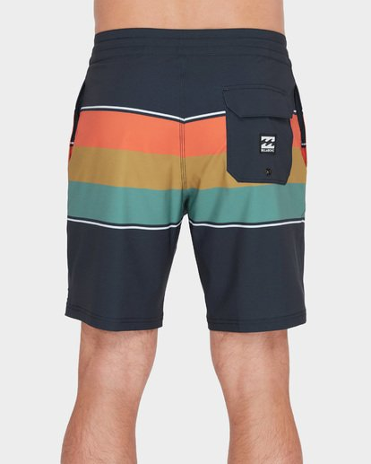 "4 MOMENTUM LO TIDE 18"" BOARDSHORT Black 9582417 Billabong"