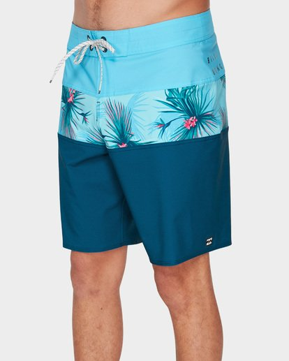 3 TRIBONG PRO BOARDSHORTS Blue 9591421 Billabong