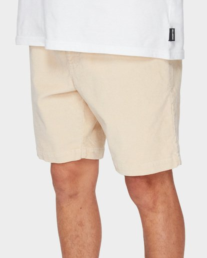 6 LARRY LAYBACK CORD WALKSHORTS Beige 9591716 Billabong