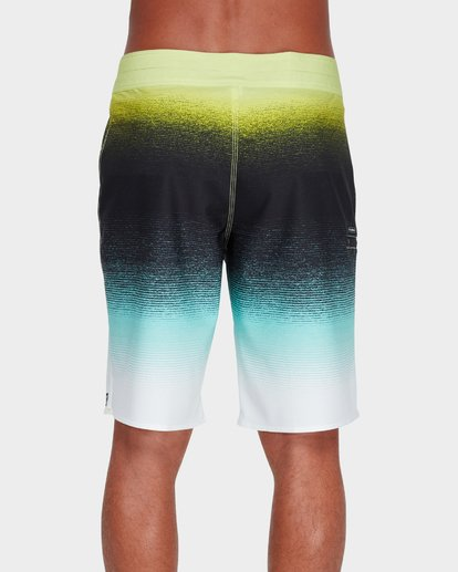 "2 Fluid Airlite 20"" Boardshorts Green 9595401 Billabong"