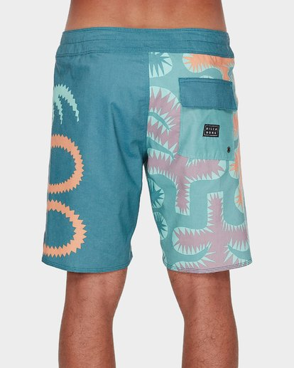 2 STRANGE FLORA PRO BOARDSHORT Orange 9596412 Billabong