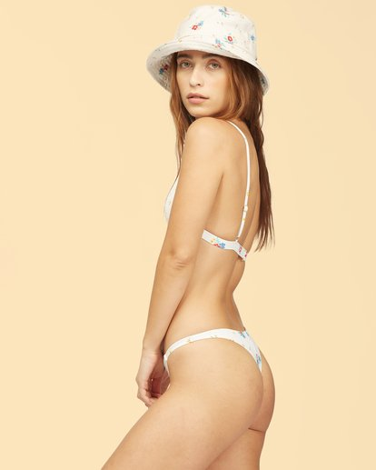 2 Wrangler Meadowlands Ceci Triangle Bikini Top White ABJX300324 Billabong