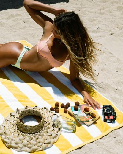 0 Hot Tropics Olivia Underwire Bikini Top Multicolor ABJX300512 Billabong