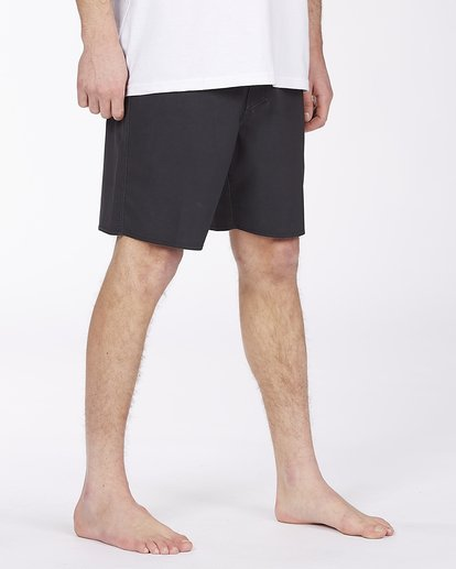 """4 All Day Pigment Pro Boardshorts 17"""" Black ABYBS00110 Billabong"""