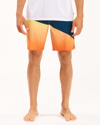 """2 T Street Pro Boardshorts 19"""" Red ABYBS00117 Billabong"""