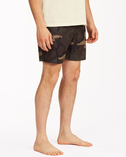 "4 Sundays Essential Boardshorts 17"" Black ABYBS00227 Billabong"