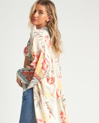 4 Fire Nights Kimono Top White J521SBFI Billabong