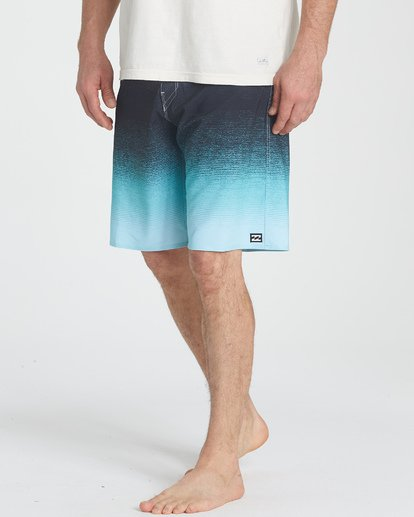 3 Fluid Airlite Boardshorts White M104TBFL Billabong