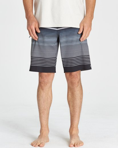8 Fluid Airlite Boardshorts  M104VBFL Billabong