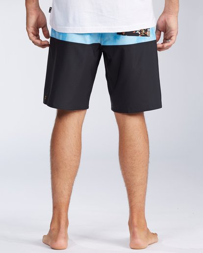4 Tribong Pro Boardshorts Black M1201BTB Billabong