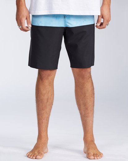 2 Tribong Pro Boardshorts Black M1201BTB Billabong