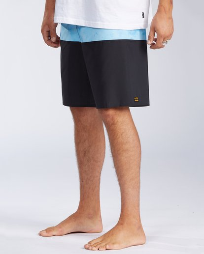 3 Tribong Pro Boardshorts Black M1201BTB Billabong
