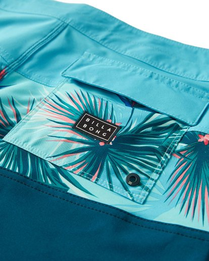 5 Tribong Pro Boardshorts Blue M120VBTB Billabong