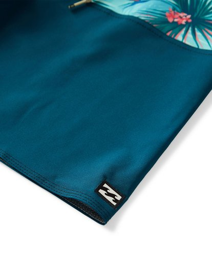 6 Tribong Pro Boardshorts Blue M120VBTB Billabong
