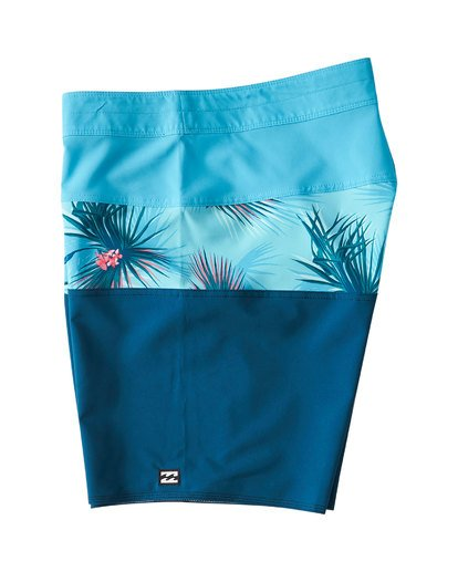 3 Tribong Pro Boardshorts Blue M120VBTB Billabong