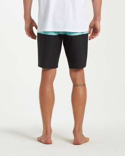 8 Tribong Pro Boardshorts Black M120VBTB Billabong