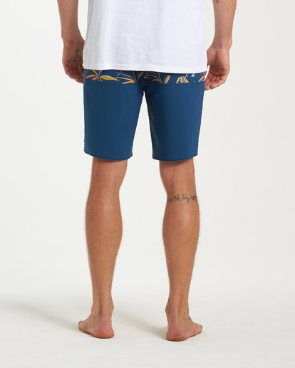 8 Tribong Pro Boardshorts Blue M120VBTB Billabong