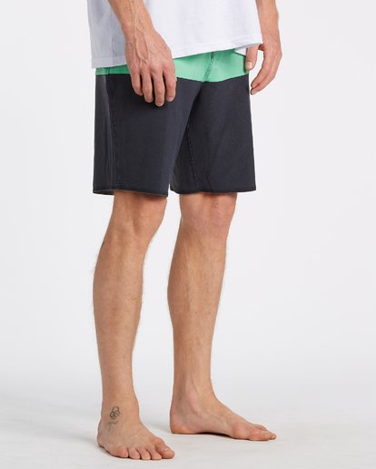 4 Tribong Pro Solid Boardshorts Green M1211BTS Billabong