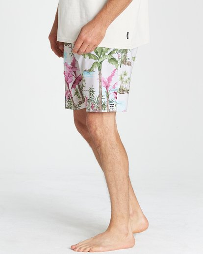 9 Sundays Pro Boardshorts White M123VBSU Billabong