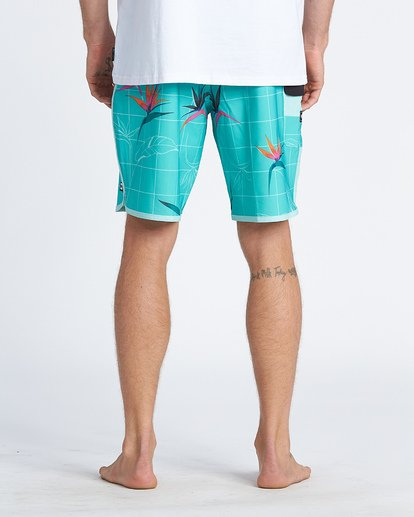 10 73 Line Up Pro Boardshorts Blue M1261BSL Billabong