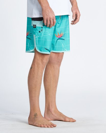 9 73 Line Up Pro Boardshorts Blue M1261BSL Billabong