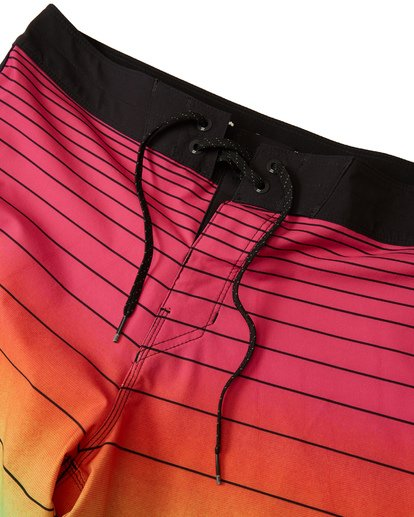 4 73 Stripe Pro Boardshorts Red M1271BST Billabong