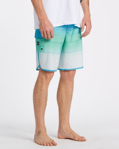 4 73 Stripe Pro Boardshorts Blue M1271BST Billabong