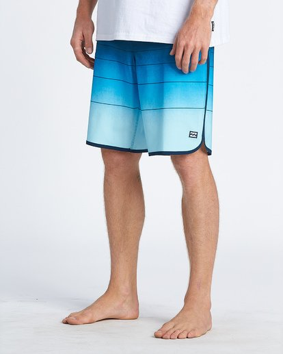 8 73 Stripe Pro Boardshorts Blue M1271BST Billabong
