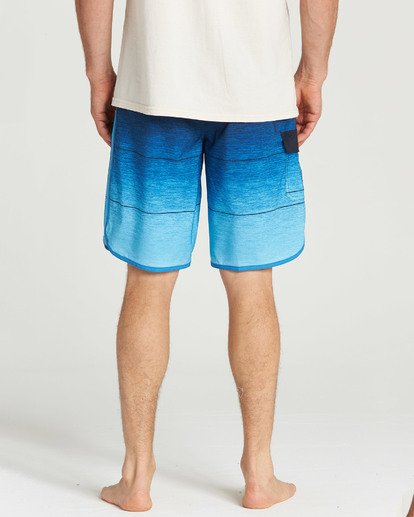 9 73 Stripe Pro Boardshorts Blue M127TBST Billabong