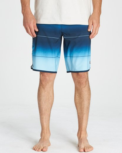 8 73 Stripe Pro Boardshorts Blue M127VBST Billabong