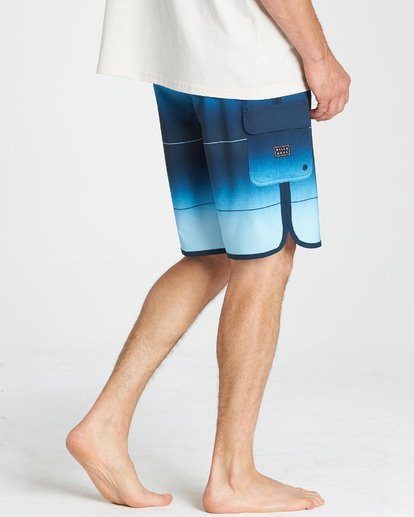 9 73 Stripe Pro Boardshorts Blue M127VBST Billabong