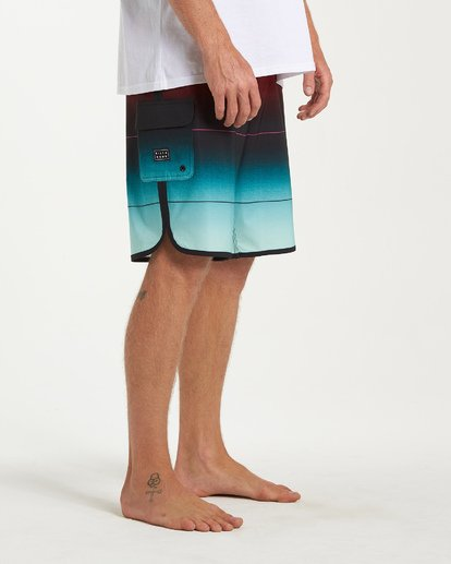 8 73 Stripe Pro Boardshorts Green M127VBST Billabong