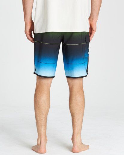 10 73 Stripe Pro Boardshorts Green M127VBST Billabong