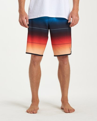 6 73 Stripe Pro Boardshorts Red M127VBST Billabong