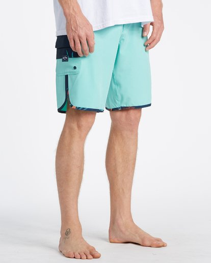 4 73 Pro Boardshorts Blue M1281BSP Billabong