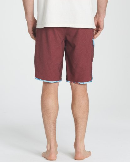 4 73 Pro Boardshorts Brown M128TBSE Billabong