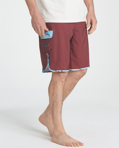 3 73 Pro Boardshorts Brown M128TBSE Billabong
