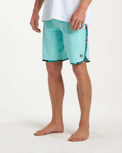 7 73 Pro Boardshorts Green M128TBSE Billabong