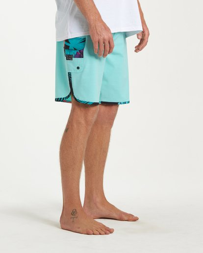 8 73 Pro Boardshorts Green M128TBSE Billabong