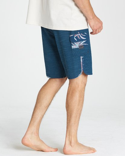 11 73 Pro Boardshorts Blue M128TBSE Billabong
