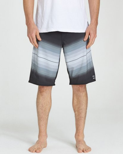 4 Fluid X Boardshorts Black M130NBFL Billabong