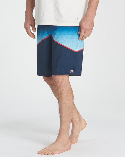 3 North Point Pro Boardshorts Blue M130TBNP Billabong